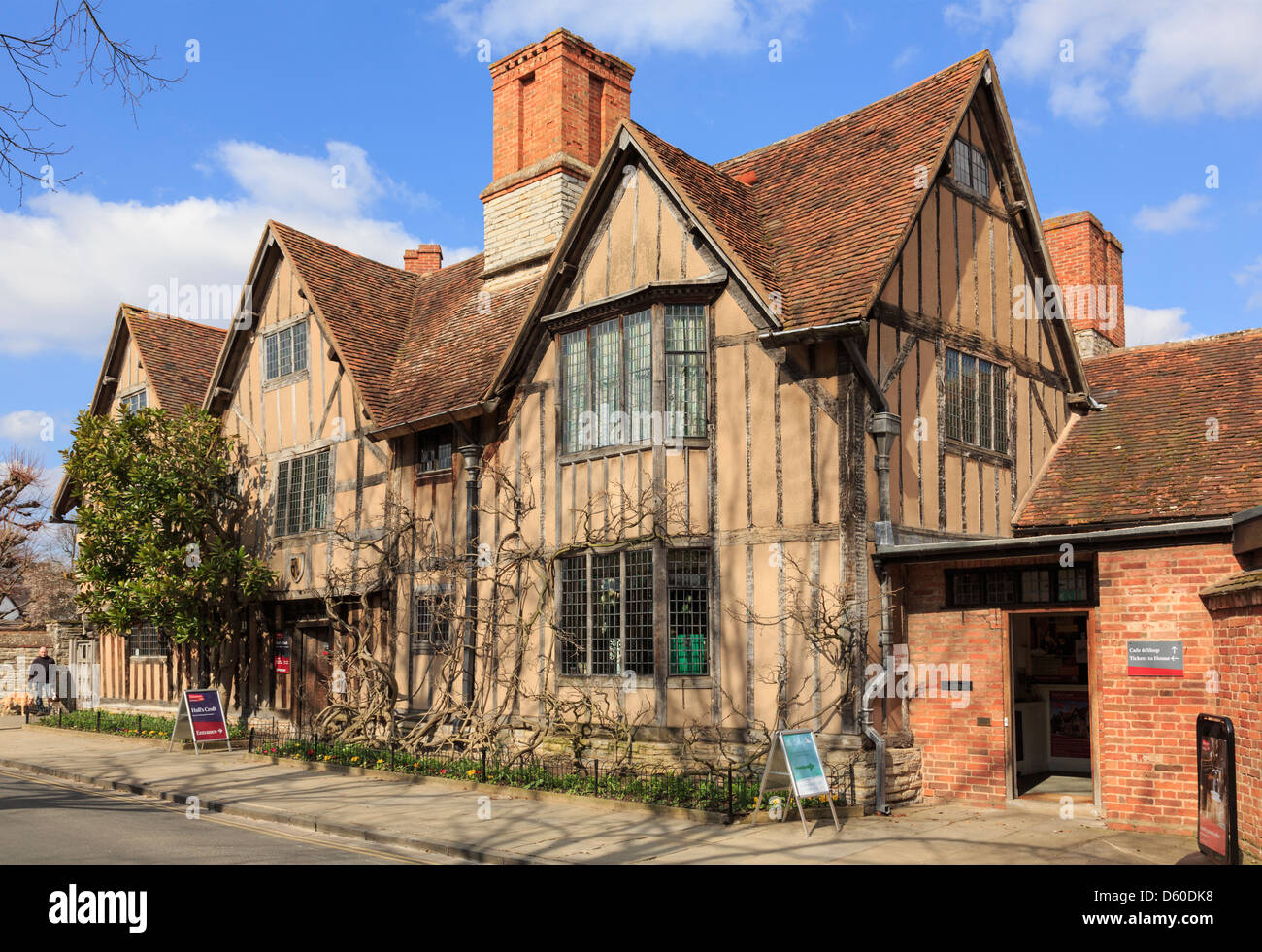 Hall's Croft (1613) home of William Shakespeare's daughter Susanna Hall in Old Town Stratford-upon-Avon - Stock Image