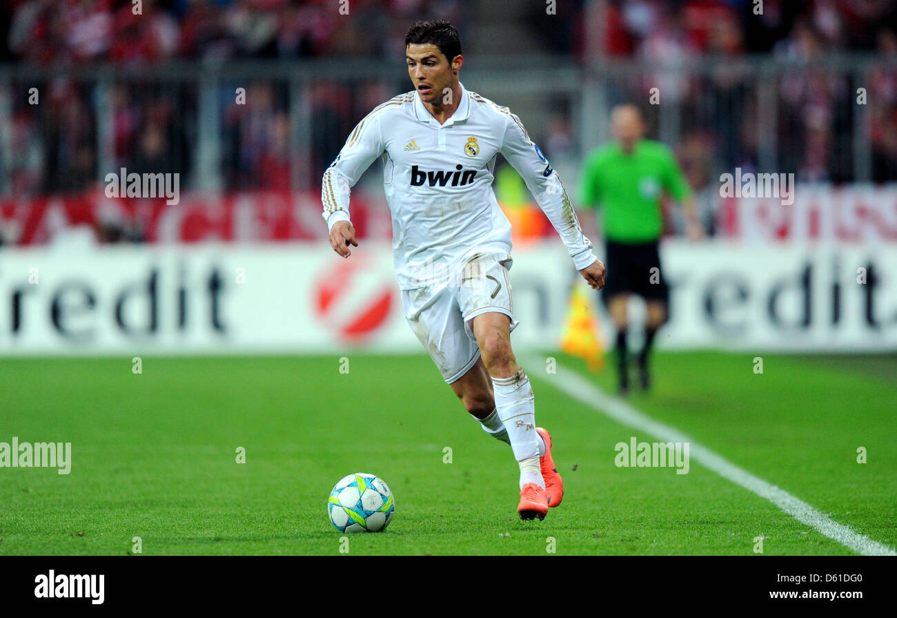 Madrids Cristiano Ronaldo Plays The Ball During The First Leg Of The Uefa Champions League Semi Final Between Fc Bayern Munich And Real Madrid At The