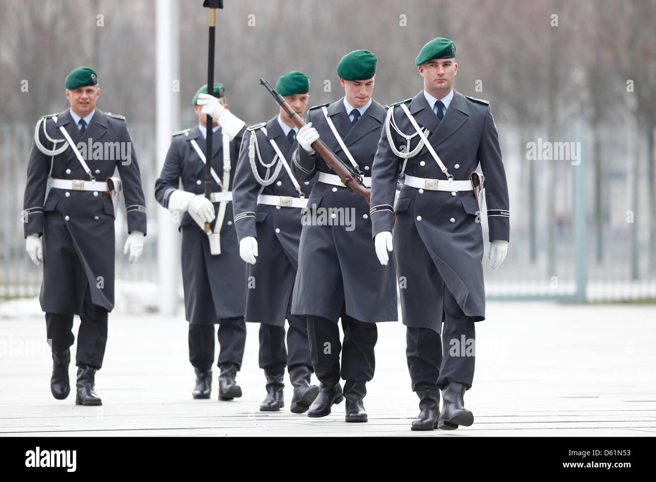 Berlin, 11 April 2013. Greeting of the Indian Prime Minister Manmohan Singh with military honors by German Chancellor - Stock Image
