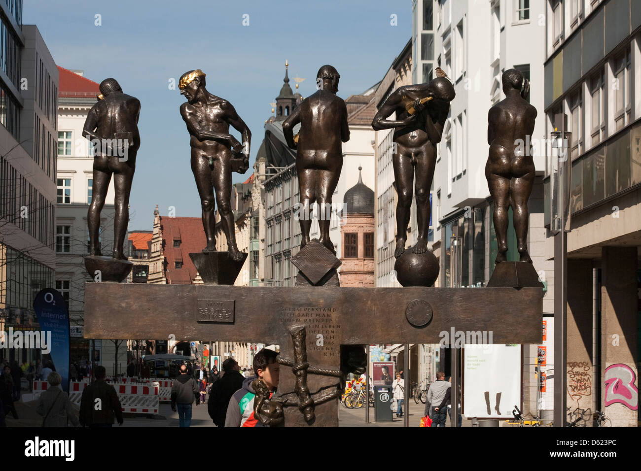 Controversial sculpture of Untimely Contemporaries on popular Grimmaische pedestrian shopping street Leipzig, Germany. - Stock Image