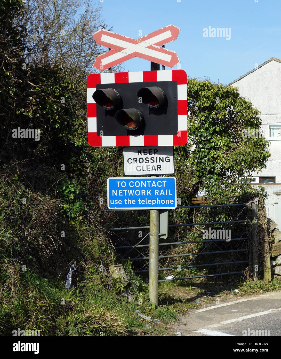 Traffic lights at a level crossing - Stock Image