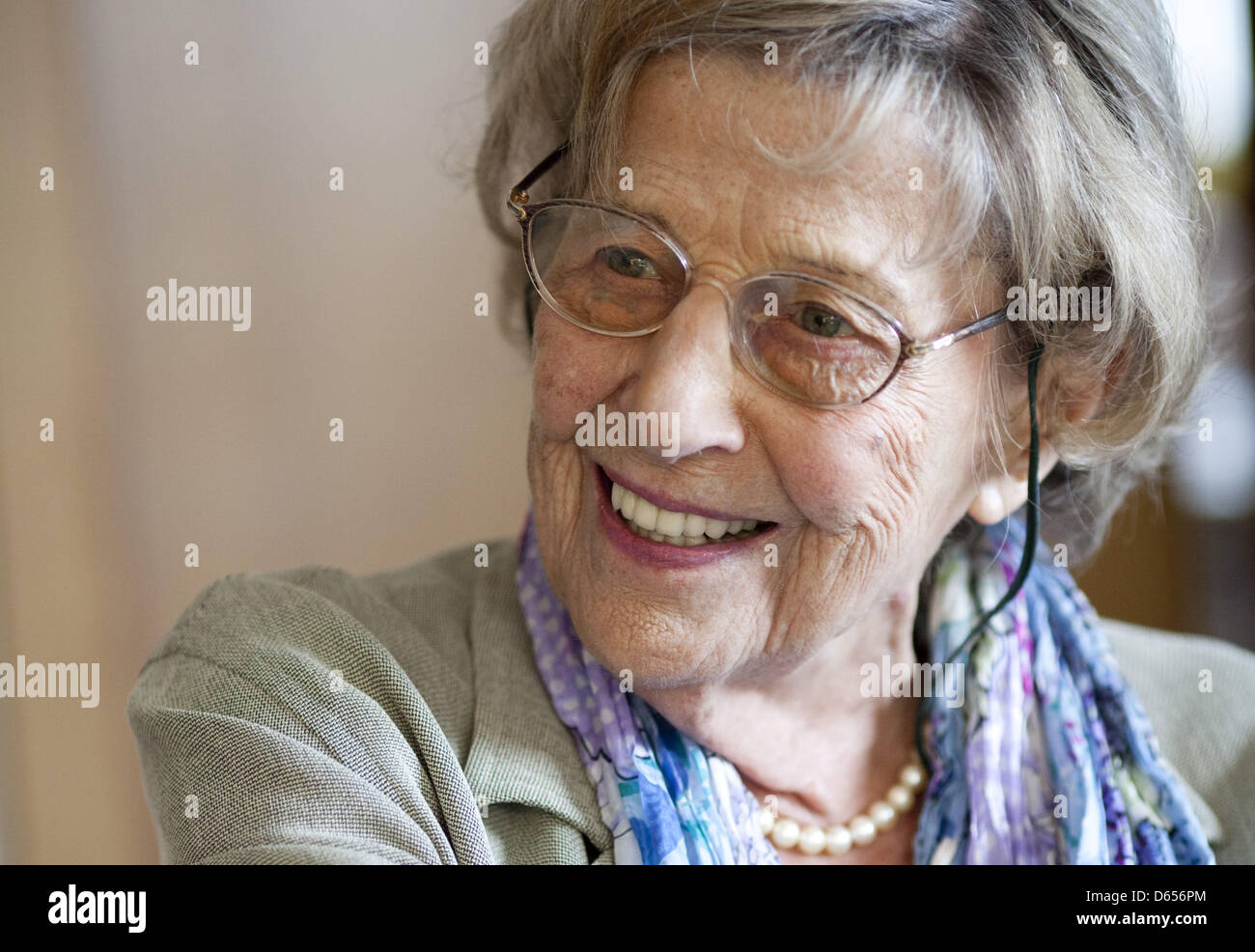 (dpa FILE) - An archive picture, dated 7 July 2009, shows psychoanalyst Margarete Mitscherlich, smiling during an - Stock Image