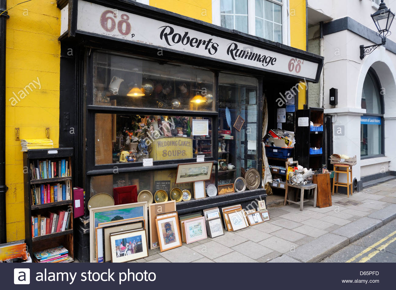 Roberts Rummage, secondhand shop, Hastings, East Sussext, England - Stock Image