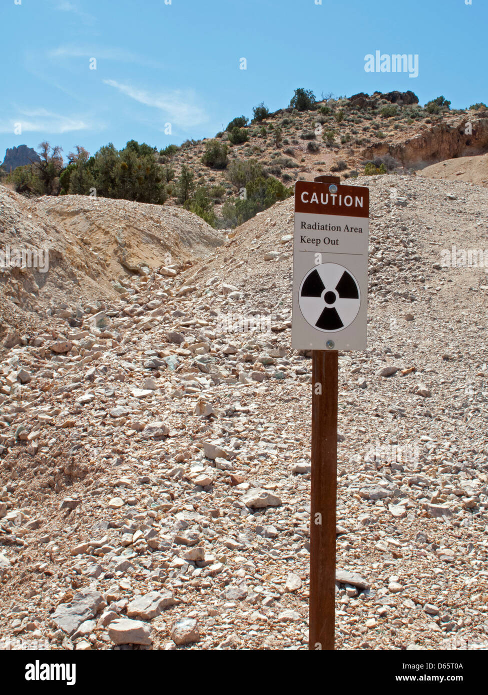 Grand Canyon National Park, Arizona - A sign warns hikers away from an old mine on Horseshoe Mesa due to radiation - Stock Image