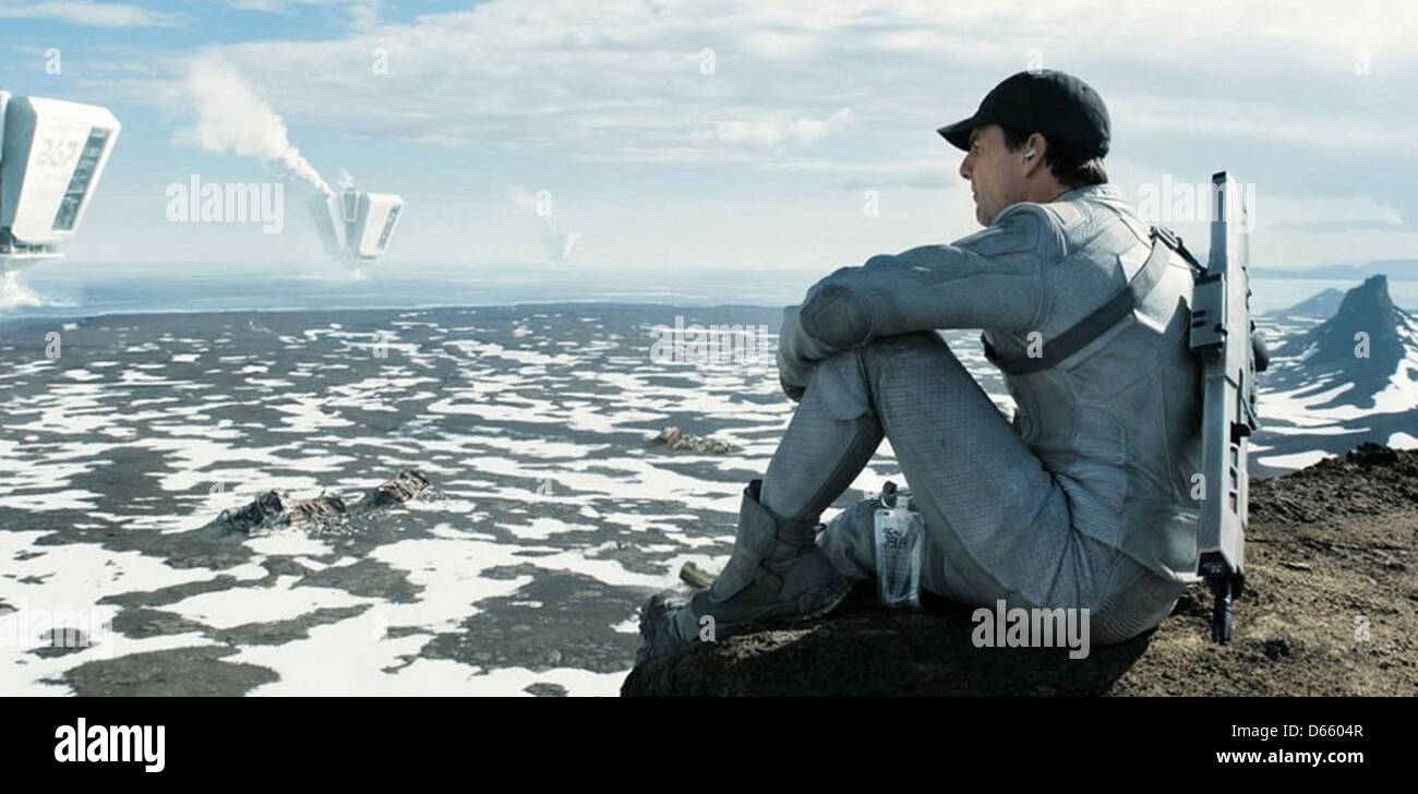OBLIVION 2013 Universal Pictures film with Tom Cruise - Stock Image