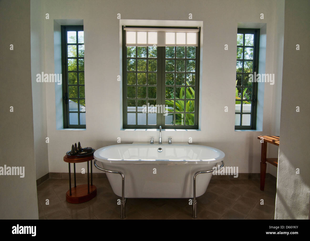 luxury bathtub, Luang Prabang, Laos - Stock Image