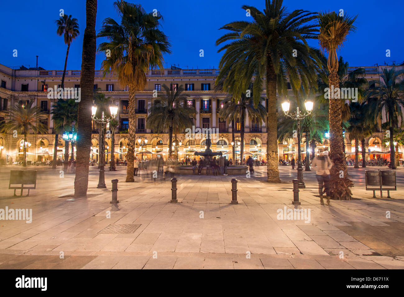 Night view of Plaça Reial or Plaza Real, Barcelona, Catalonia, Spain - Stock Image