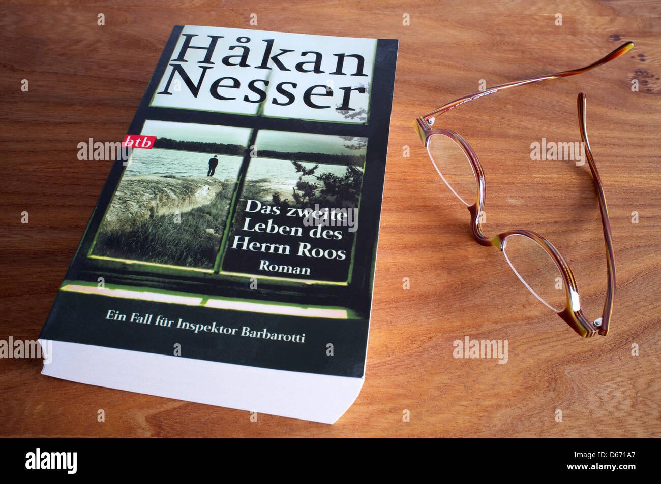Hakan Nesser Das zweite Leben des Herrn Roos - Stock Image