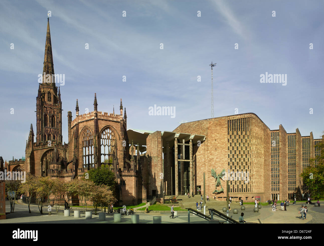 St Michael's Cathedral,Coventry, England new Cathedral by Sir Basil Spence, completed 1962 next to bombed medieval - Stock Image