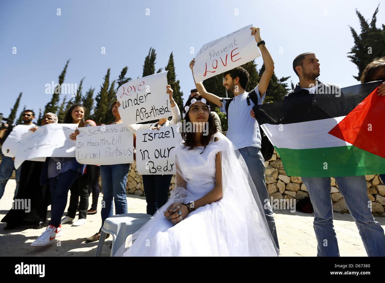 April 14, 2013 - Jerusalem, Jerusalem, Palestinian Territory - An Israeli Arab young woman wears a bridal gown as Stock Photo