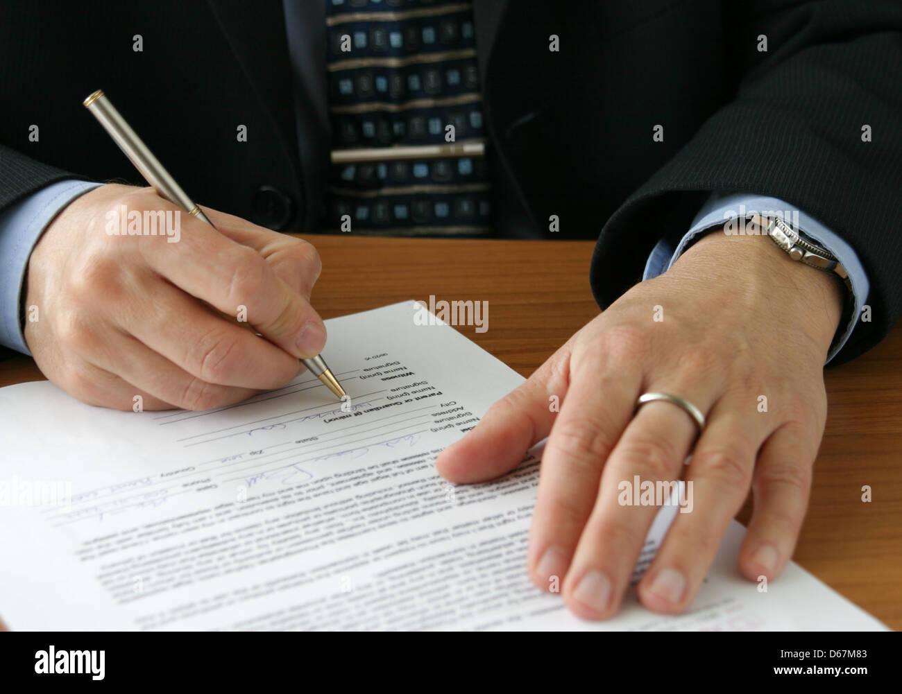 pen,signing - Stock Image