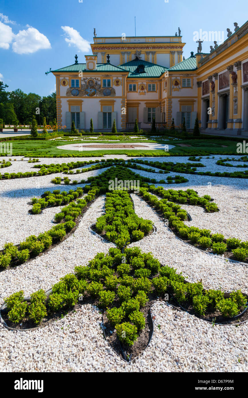 The formal gardens of the 17th century Wilanów Royal Palace in Warsaw,Poland. - Stock Image