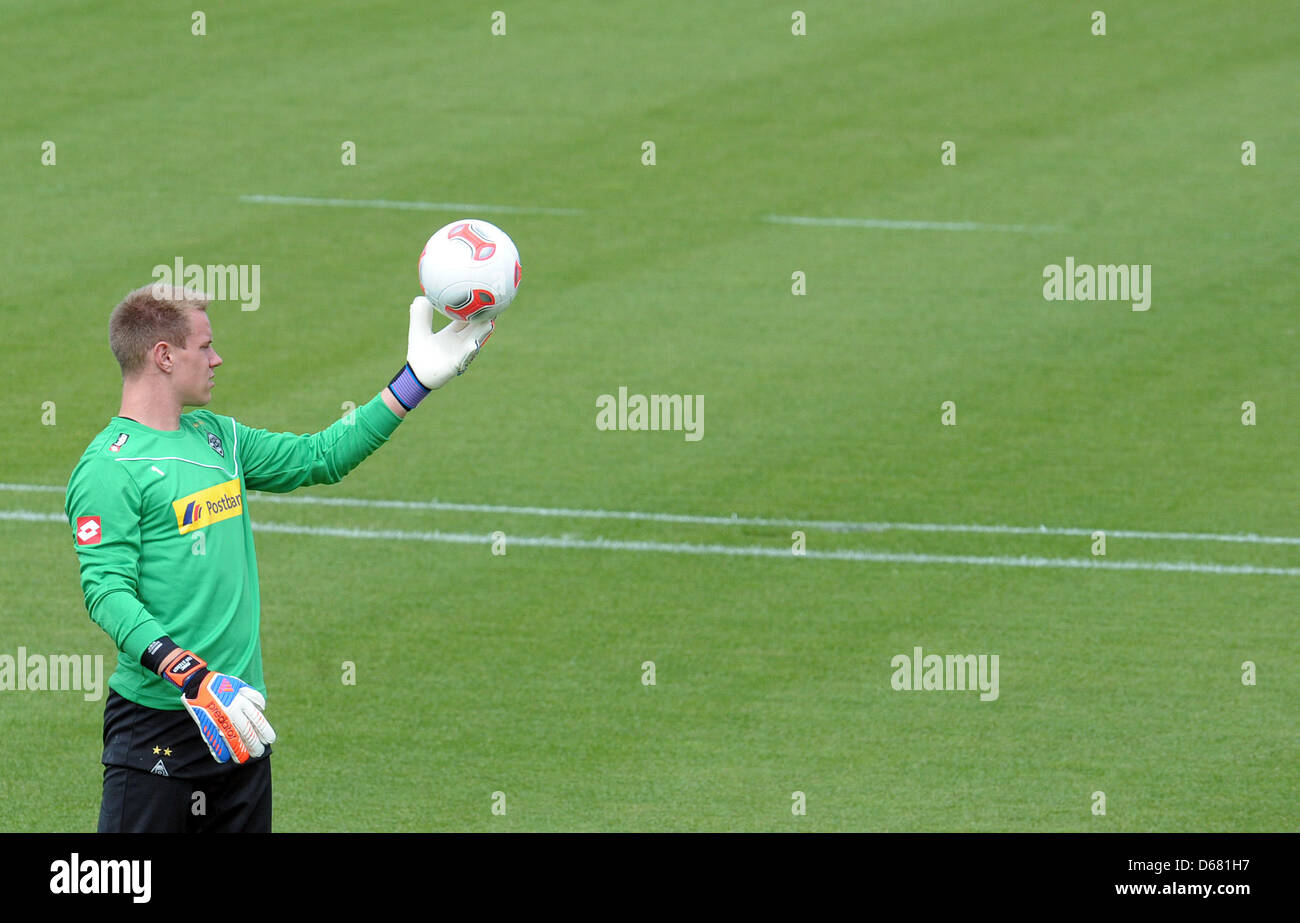 Moenchengladbach's goalkeeper Marc-Andre ter Stegen practises during the start of training after the summer - Stock Image