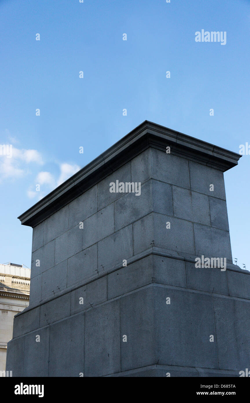 Empty Fourth Plinth in Trafalgar Square. - Stock Image