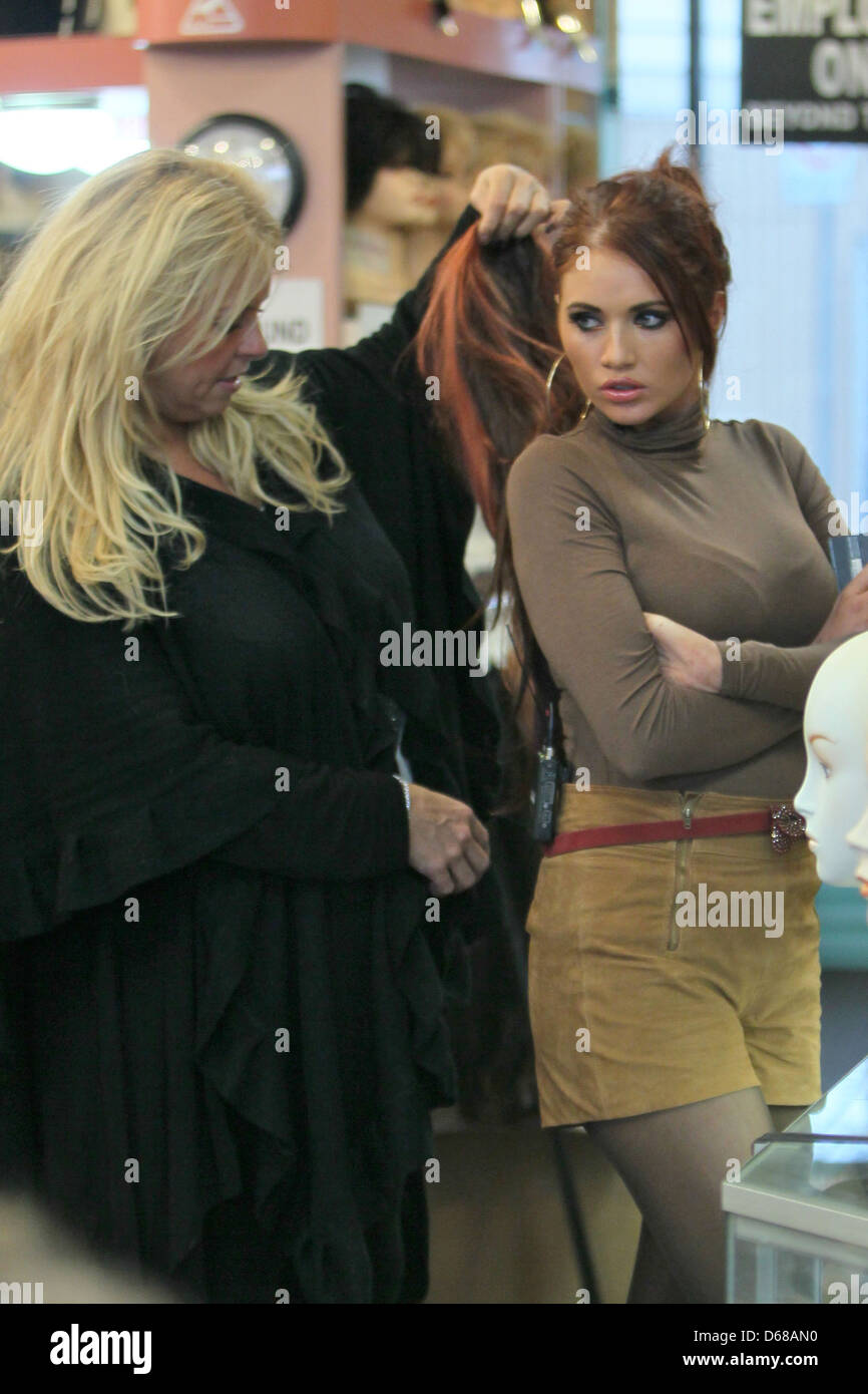 Amy Childs Seen Shopping Hair Stock Photos Amy Childs Seen