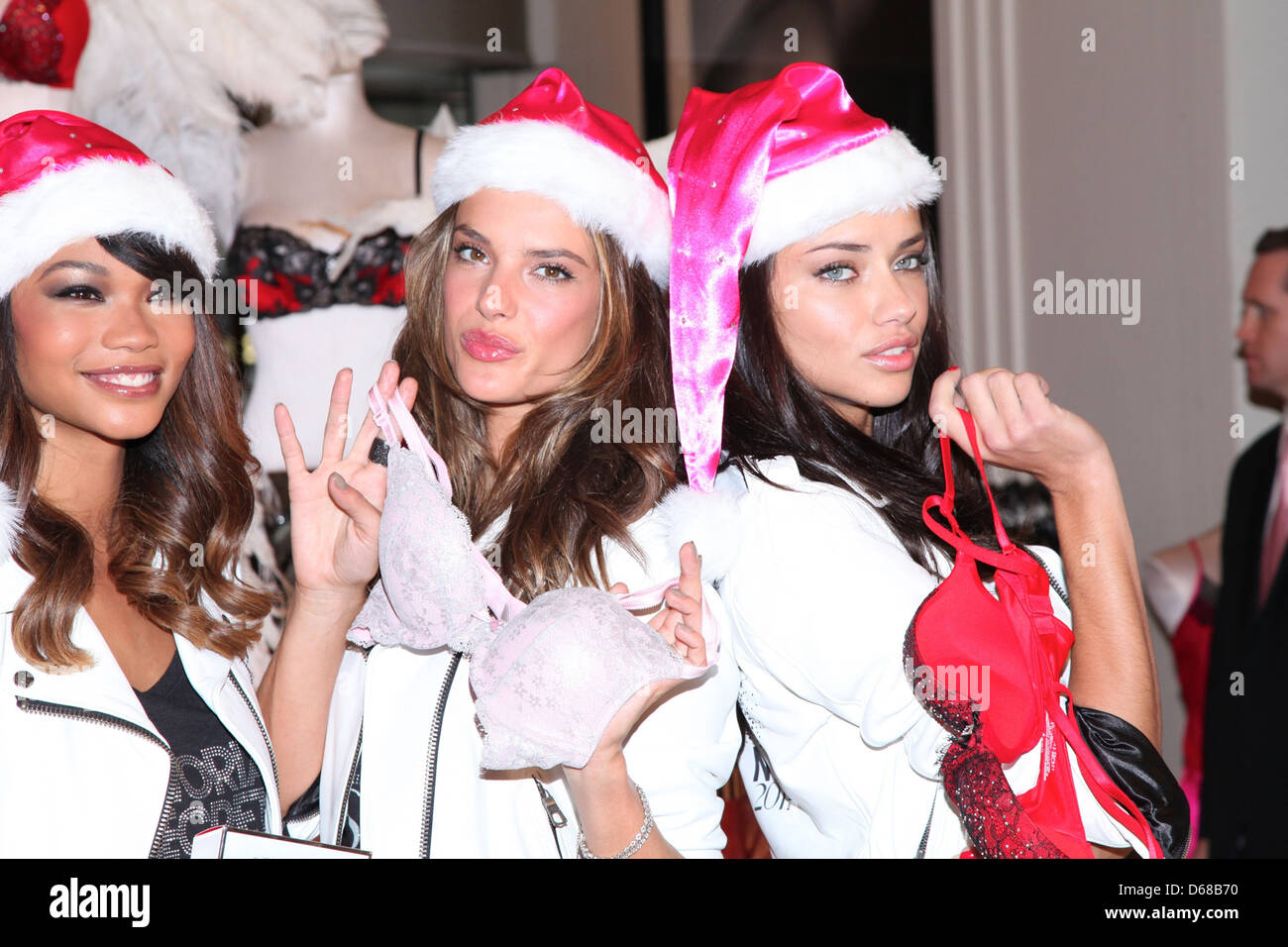 Chanel Iman Alessandra Ambrosio and Adriana Lima Victoriau0027s Secret Angels kick off the holiday season with their favorite  sc 1 st  Alamy & Chanel Iman Alessandra Ambrosio and Adriana Lima Victoriau0027s Secret ...
