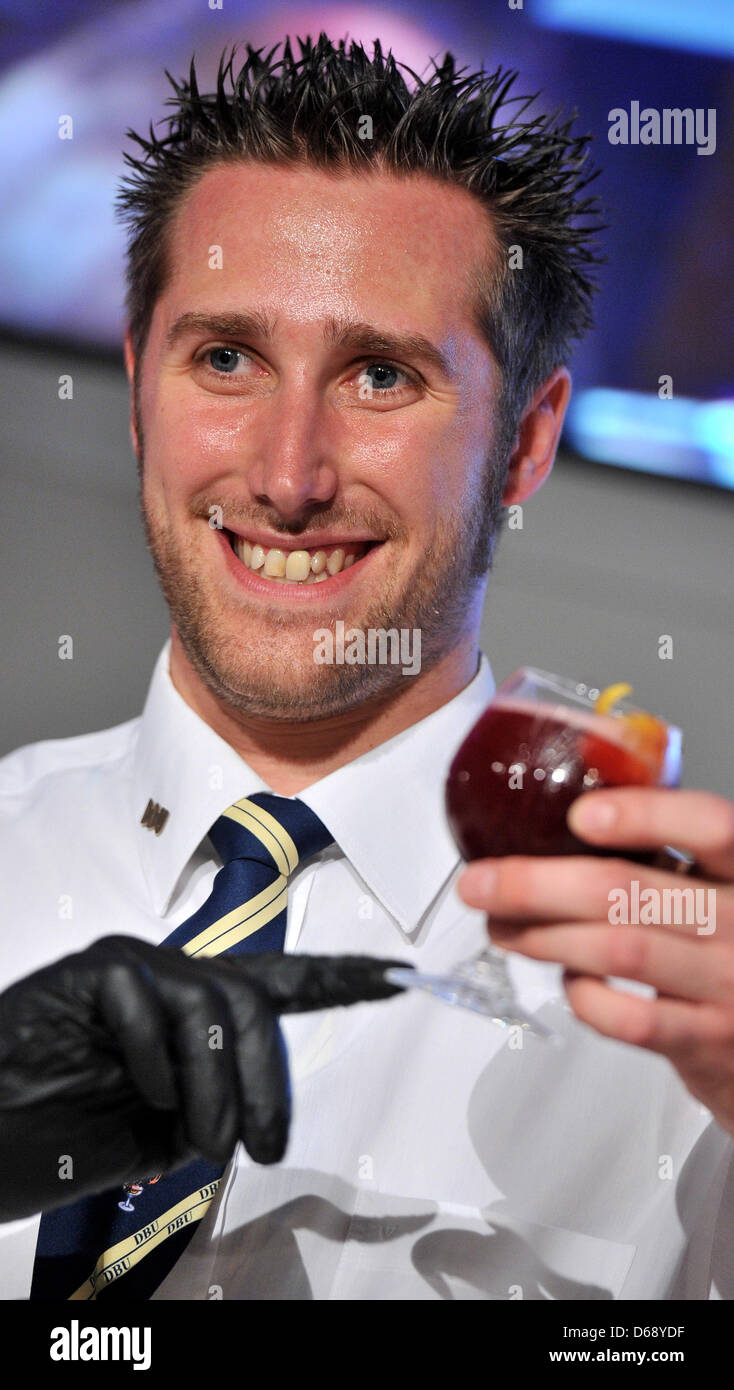 Barkeeper Markus Kern from Hesse wins the championship title for his 'Goodbye Thomas' during the German - Stock Image