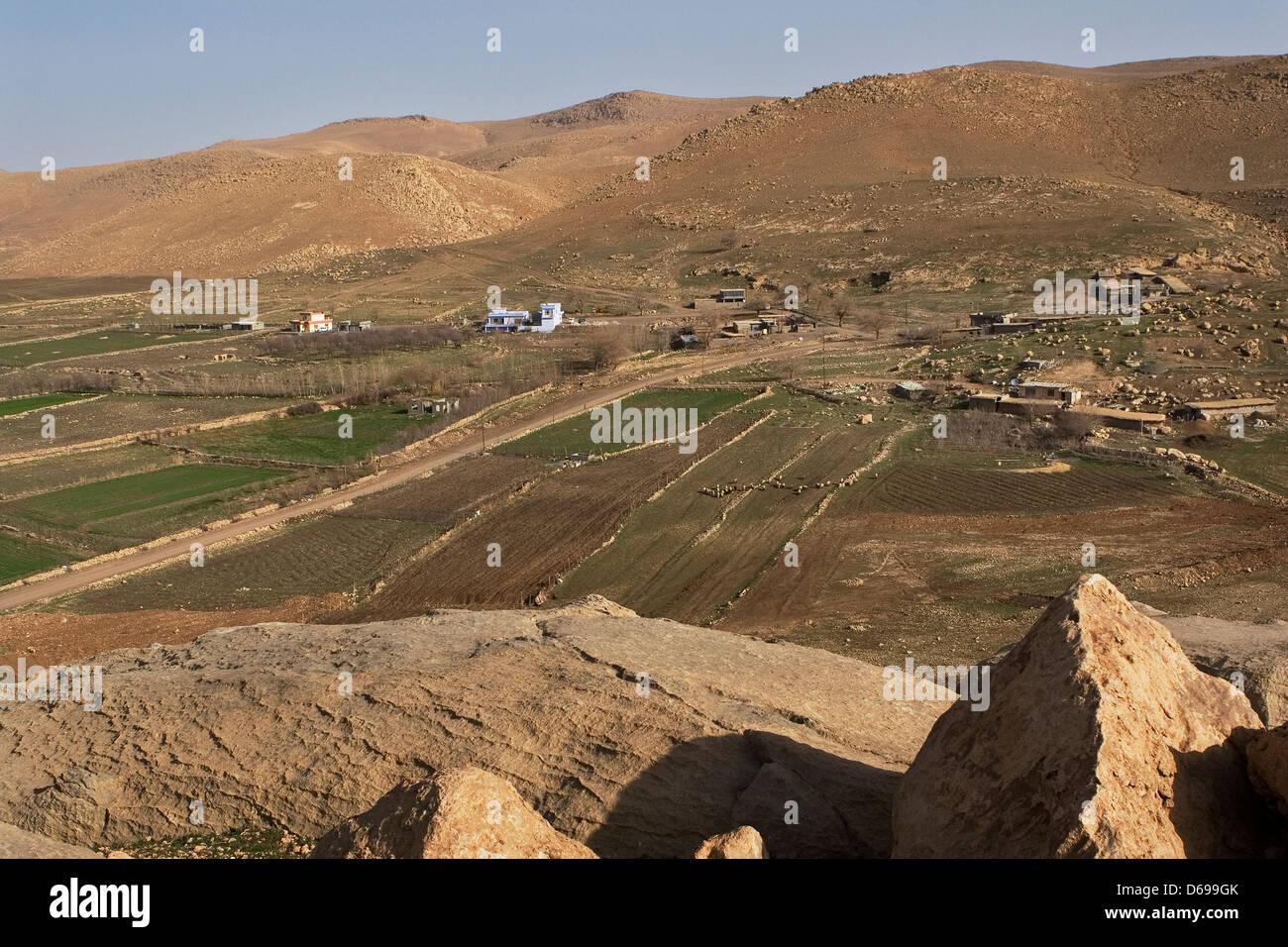 Copala Village in valley with mountains near Sulaymaniyah. Iraqi Kurdistan, Iraq - Stock Image