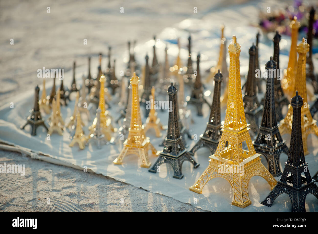 Eiffel Tower replicas for sale - Stock Image