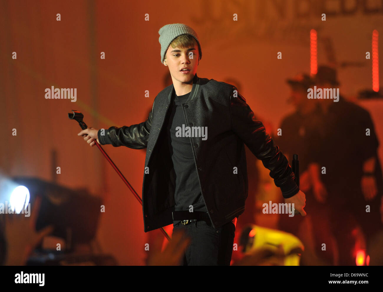 Justin Bieber Switches the Christmas lights on at the Westfield ...