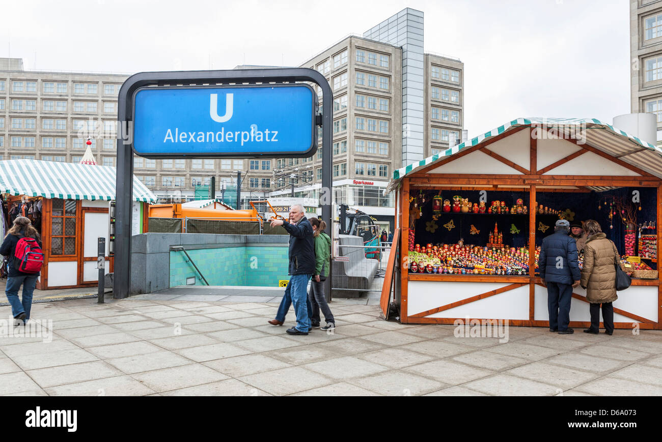 The entrance to the underground trains (U-bahn) and an Easter Egg stall at Alexanderplatz, Mitte, Berlin - Stock Image