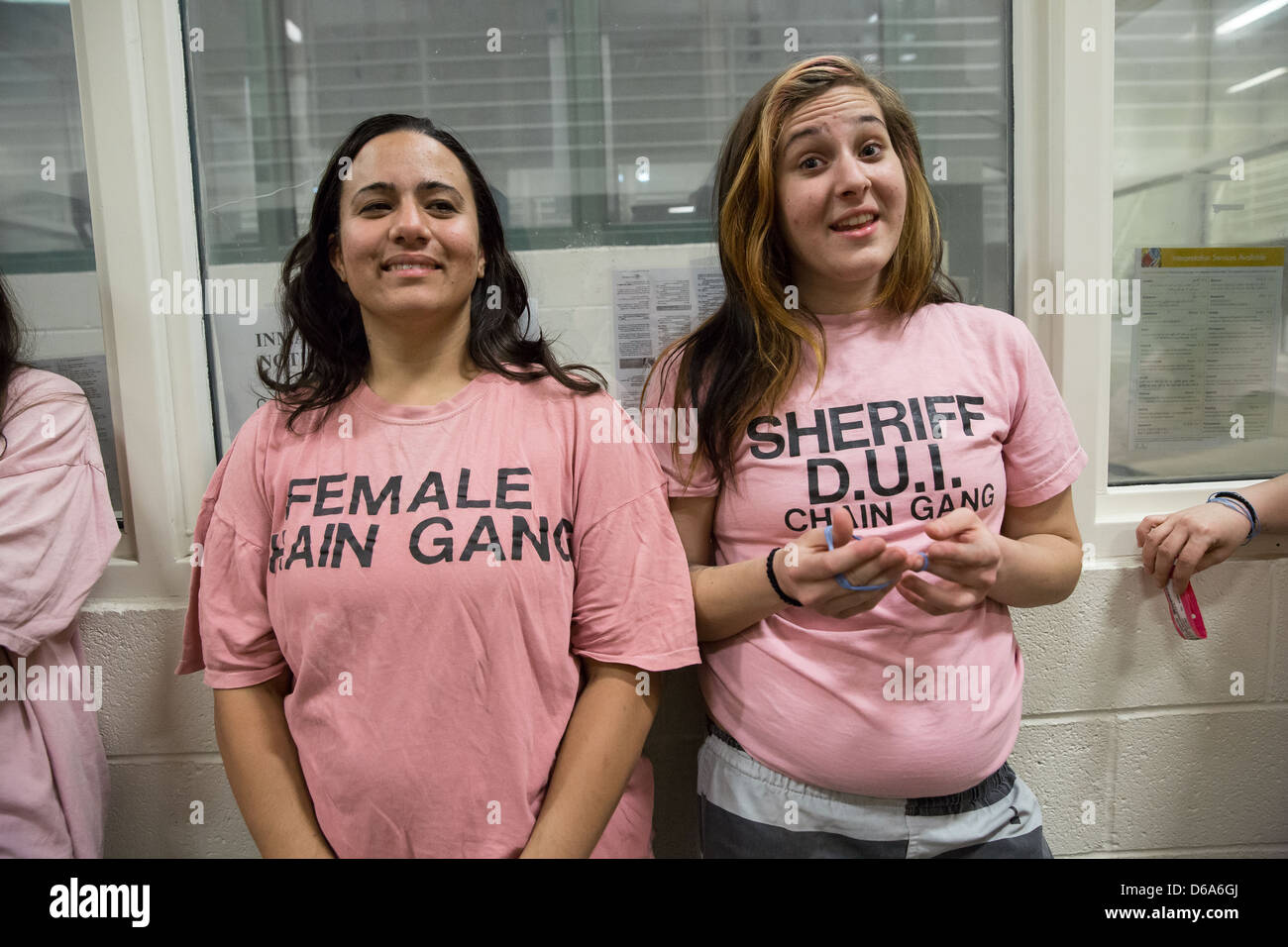 Two Female Inmates Wait To Shower At Estrella Jail Stock Photo
