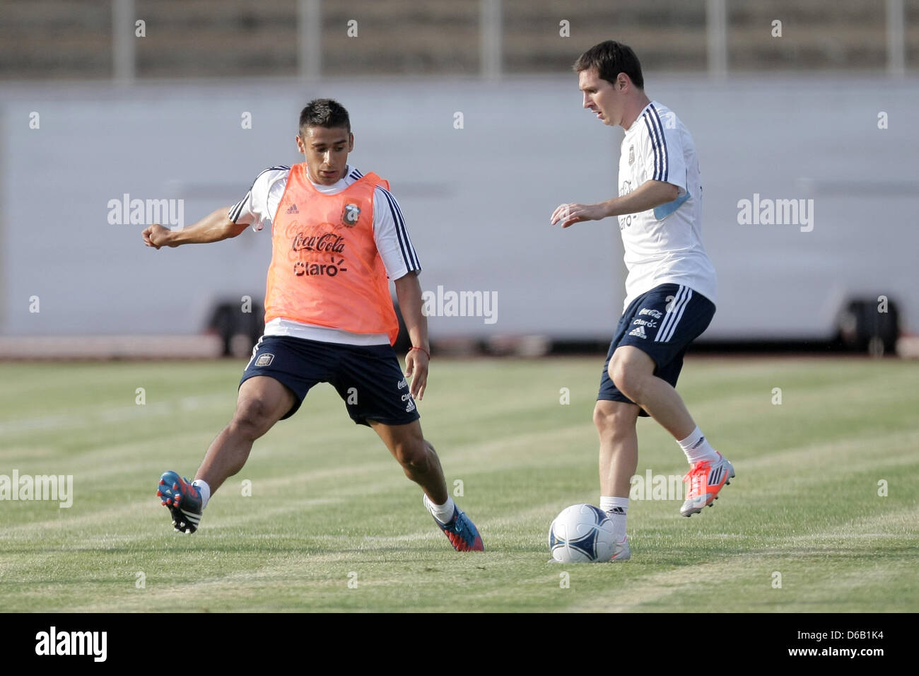 Attractive Lionel Messi Haus Decoration Of Argentine Player (r) Plays The Ball With