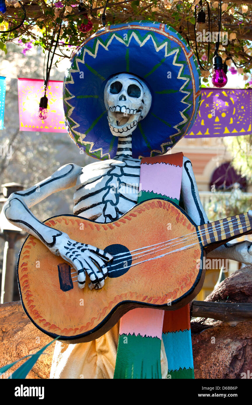 Skeleton Mexican Scull Folk Death Art - Stock Image