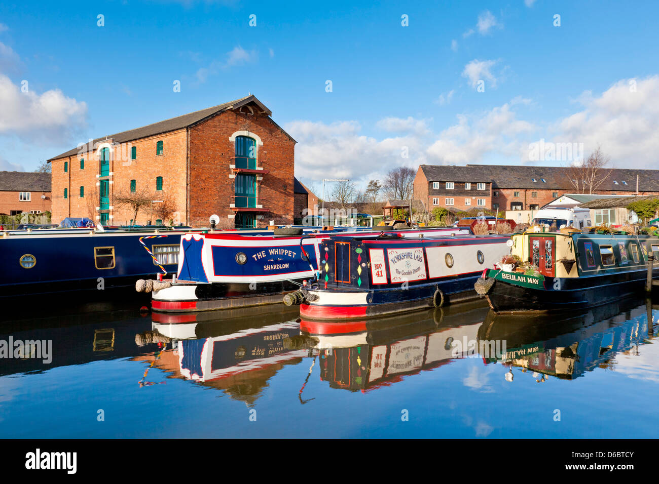 Narrow boats on the Trent and Mersey canal Shardlow  Derbyshire England UK GB EU Europe - Stock Image