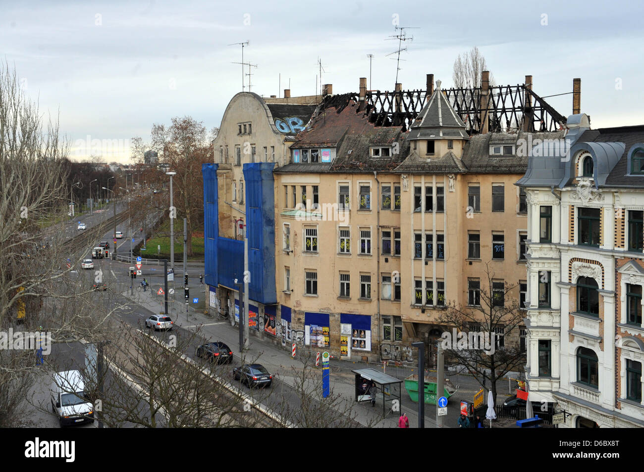 The partially burned down Capa-Haus (C) at Luppenstrasse 28 is pictured in Leipzig, Germany, 03 January 2012. The - Stock Image