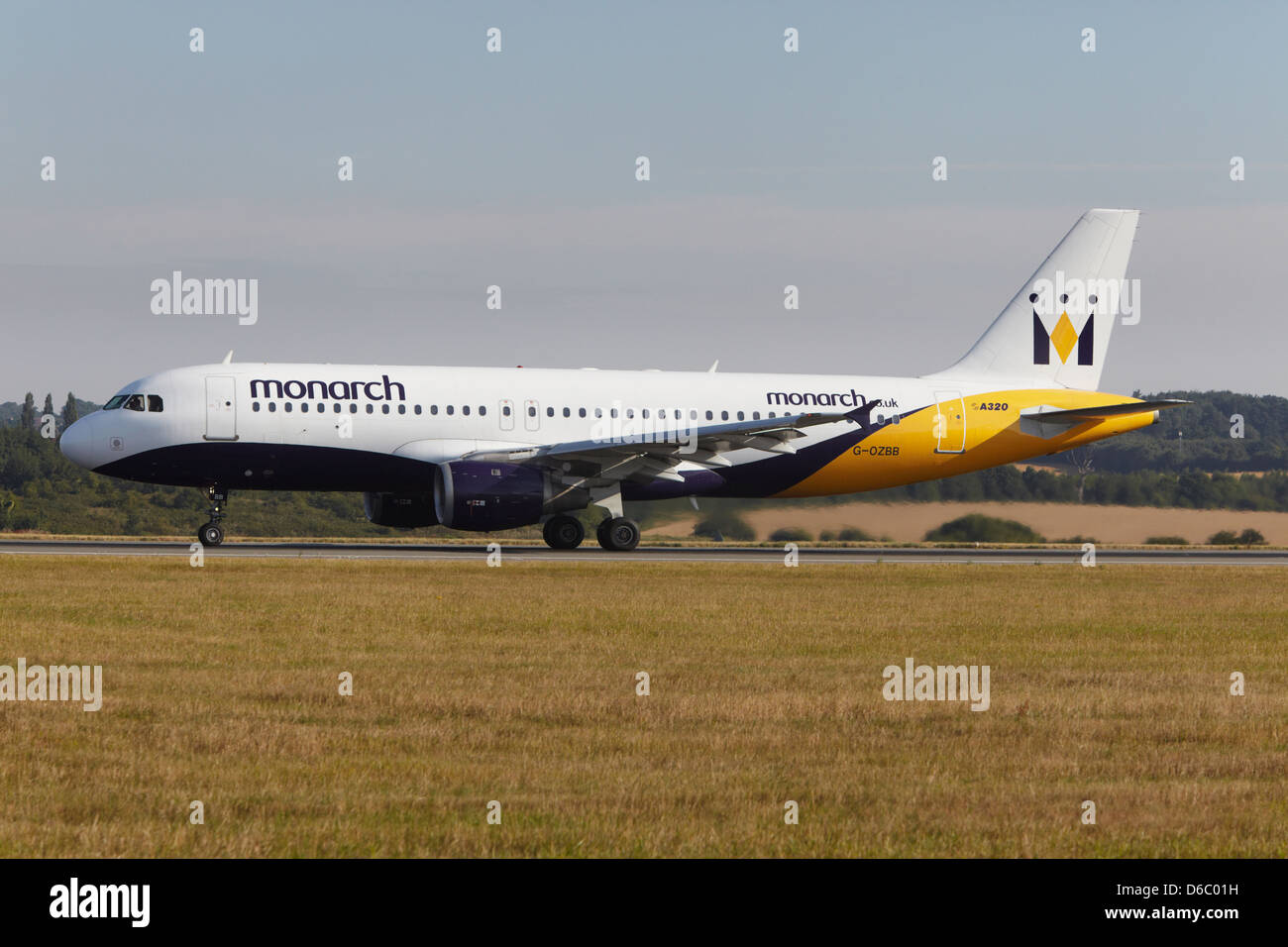 Monarch Airlines Airbus A320-212 taking off Stock Photo