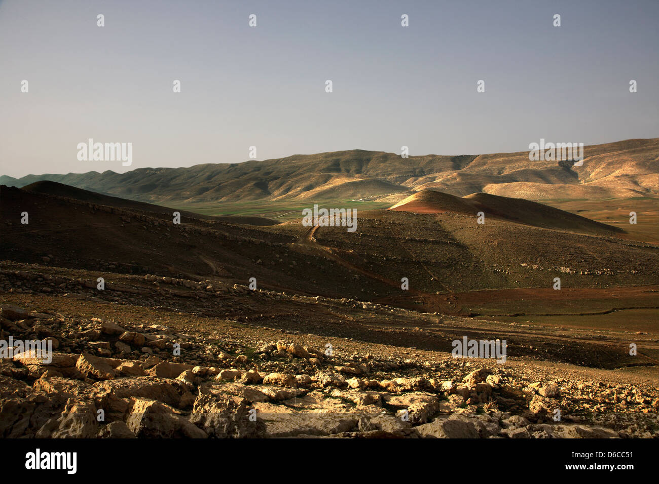 View  across valley to mountains in north east towards Iran border not far from Sulaymaniyah, Iraqi Kurdistan northern - Stock Image