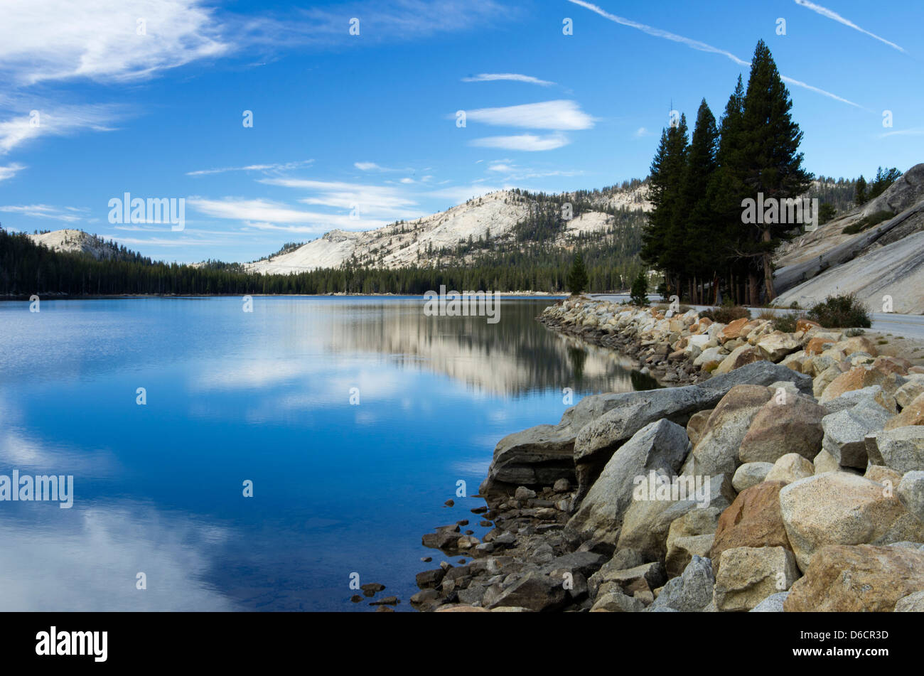Yosemite National Park Tioga Lake in the fall - Stock Image