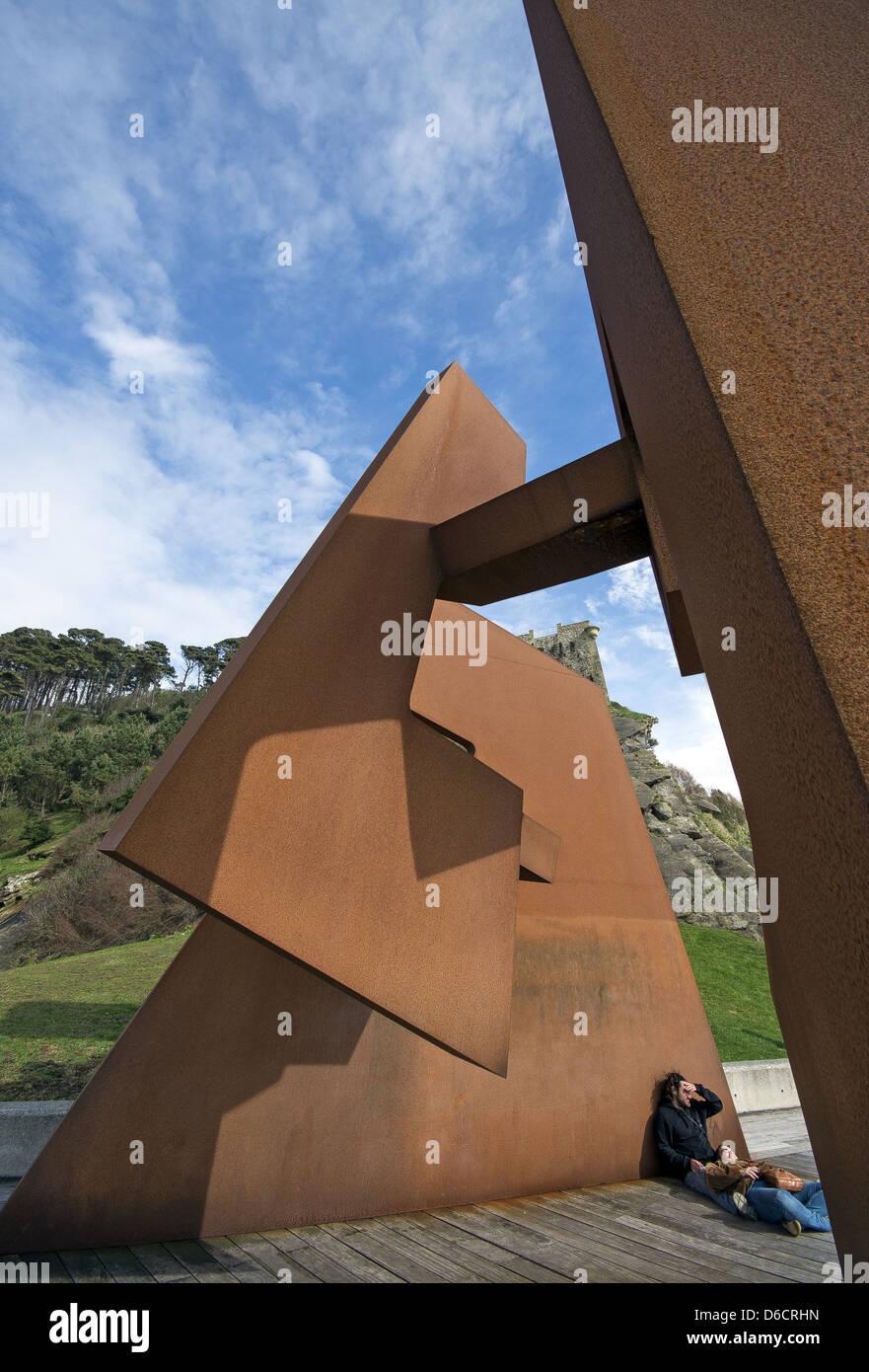 Sculpture on Paseo Nuevo promenade by Jorge Oteiza titled 'Void Construction' in San Sebastián, Donostia, - Stock Image