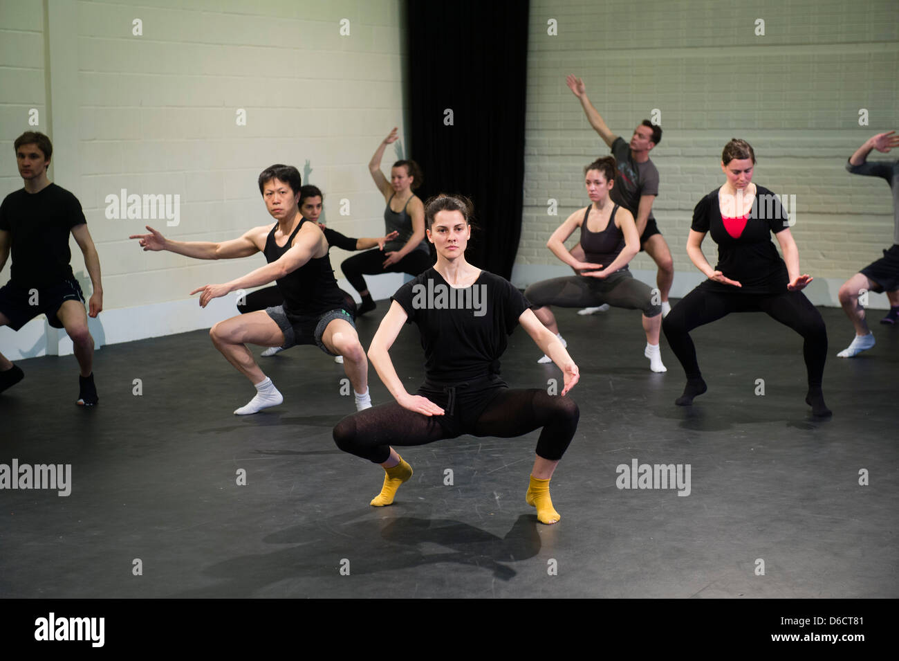 A group of performers at SITI Suzuki Method of Actor Training workshop class, UK - Stock Image