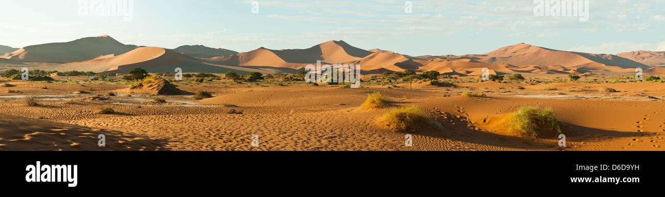 Sossusvlei Dunes, Namib-Naukluft National Park, Namibia - Stock Image