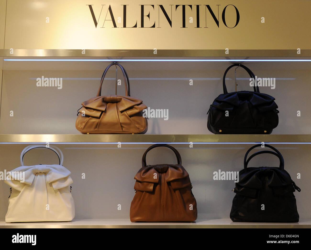 Handbags of luxury brand Valentino, pictured on 18 January 2012 in Berlin, Germany. Foto: Jens Kalaene dpa/lbn - Stock Image
