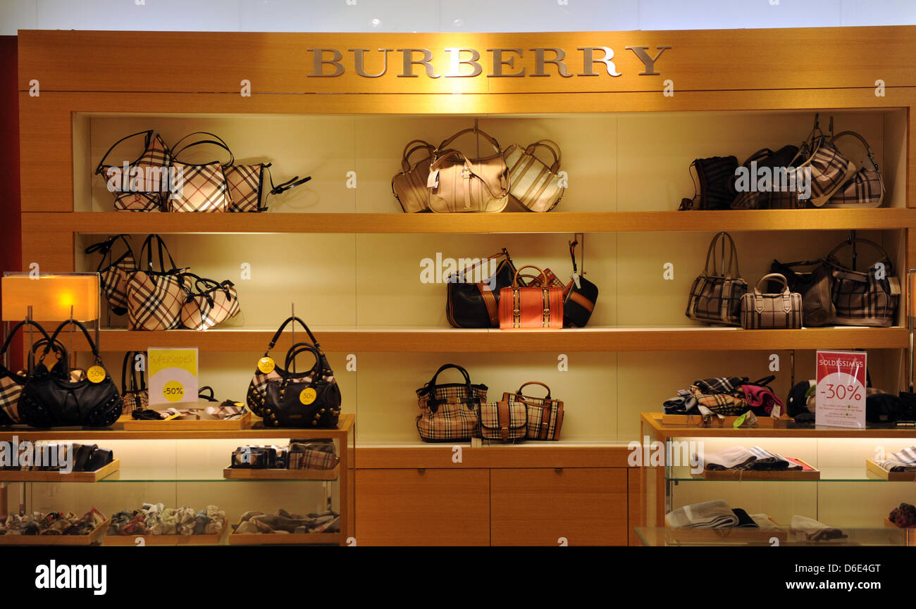 Handbags and accessoires of luxury brand Burberry, pictured on 18 January 2012 in Berlin, Germany. Foto: Jens Kalaene - Stock Image