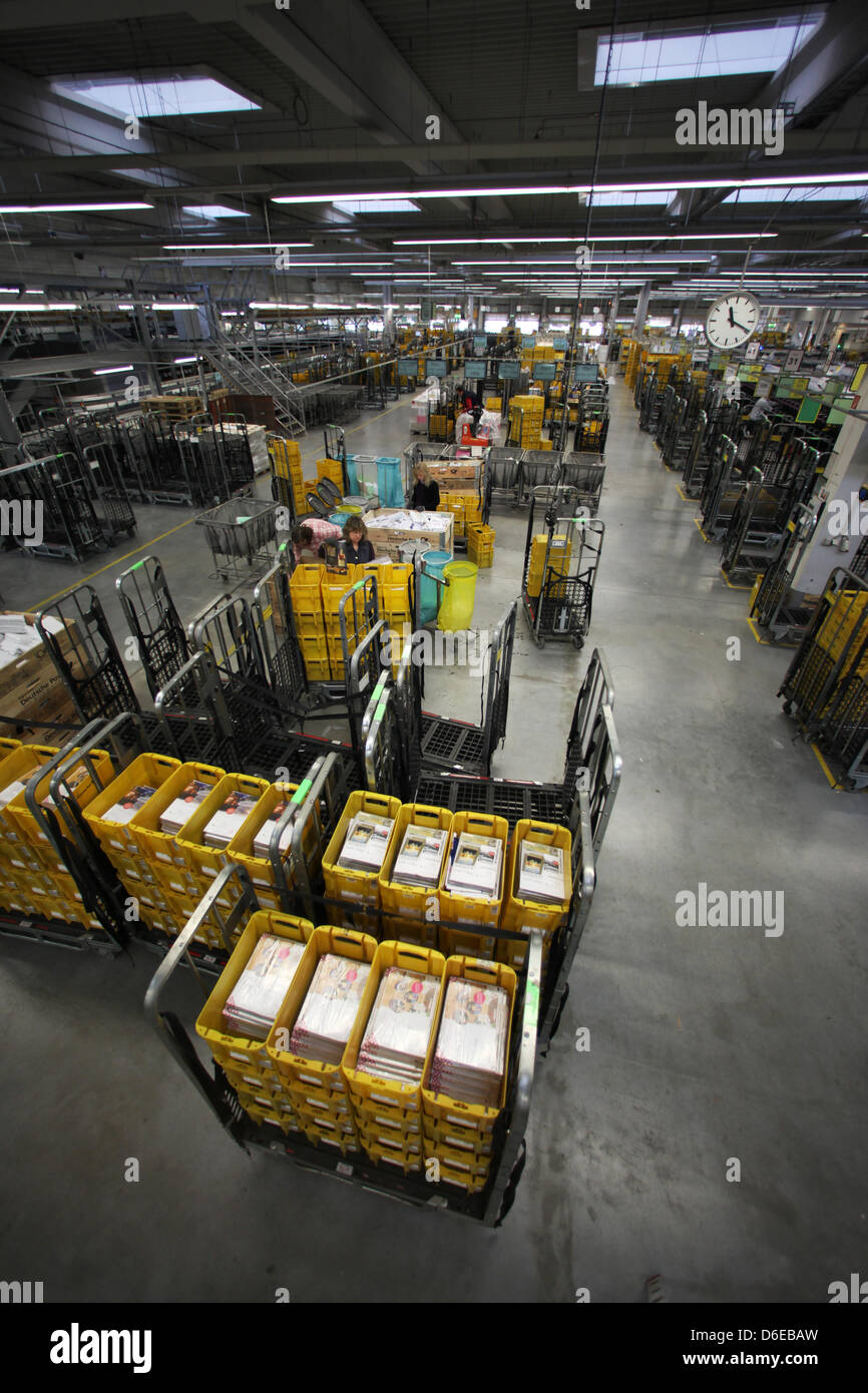 sorting machines stock photos sorting machines stock. Black Bedroom Furniture Sets. Home Design Ideas