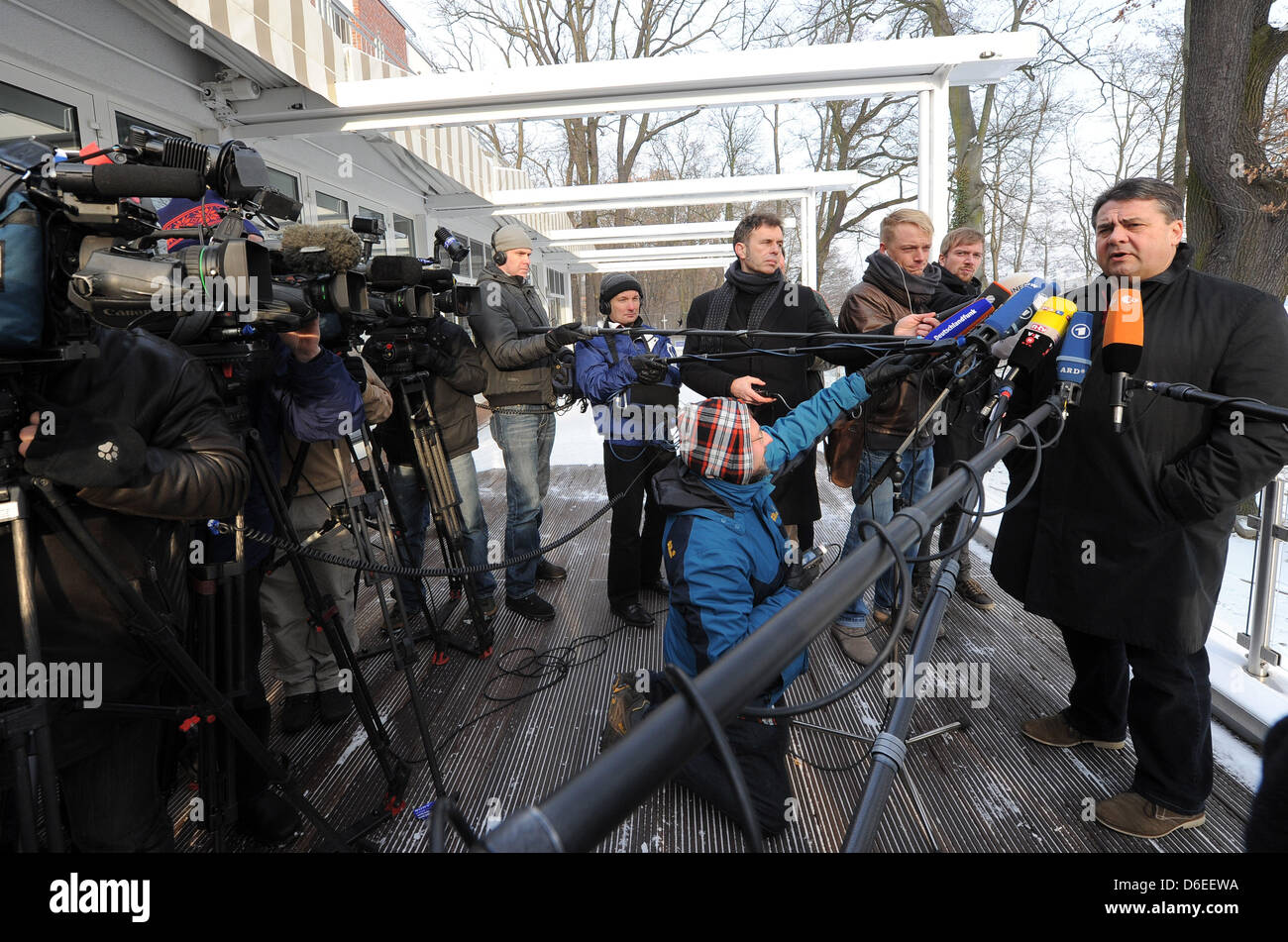 The chairman of Germany's Social Democratic Party (SPD) Sigmar Gabriel (R) gives an interview at his party's first convention in 2012 at Inselhotel in Potsdam,Germany, 29 January 2012. Photo: Bernd Settnik Stock Photo