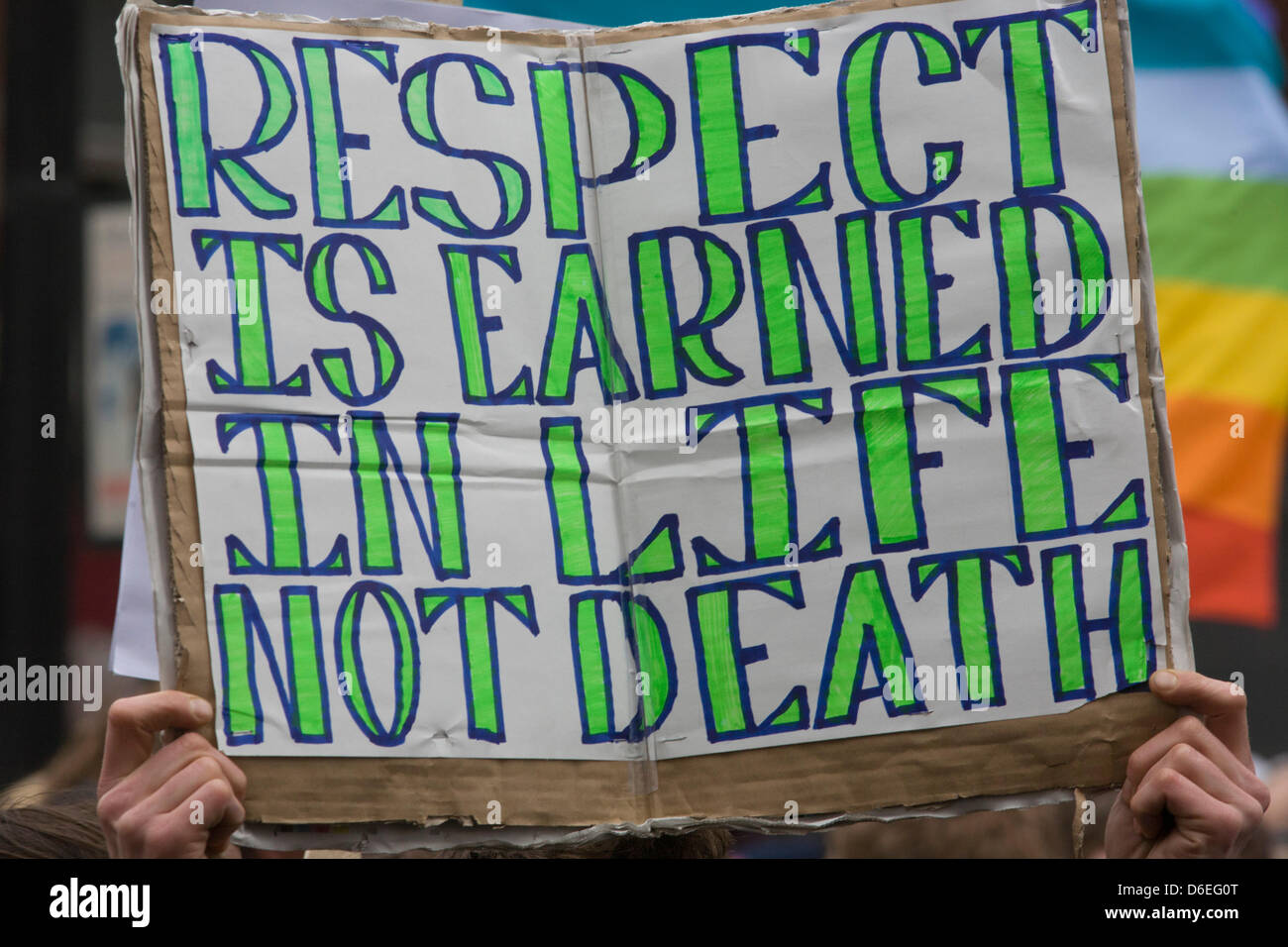 London, UK. 17th April, 2013. Anti-Thatcher protester's sign on the procession route before the funeral of Margaret - Stock Image