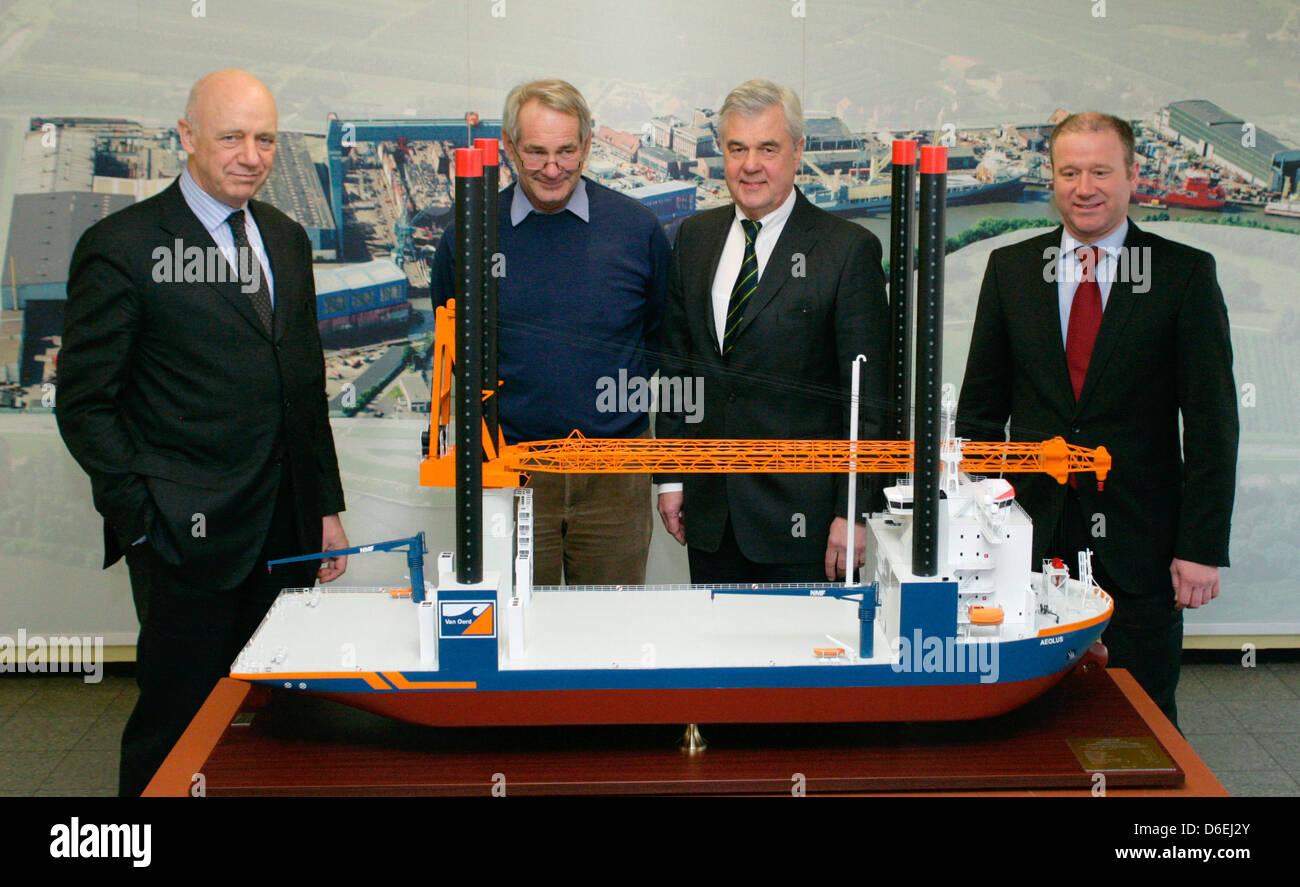 Insolvenbcy administrator of the Sietas shipyard Berthold Brinkmann (L-R), fleet commander of the Van Oord company - Stock Image