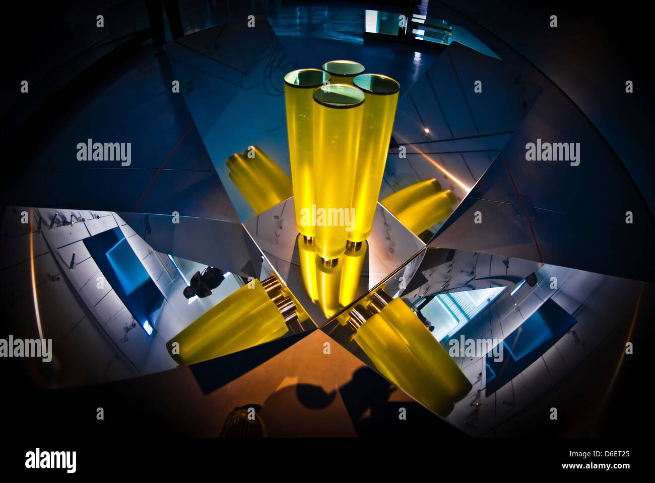 Abstract 3d shapes Yellow Cones - Stock Image