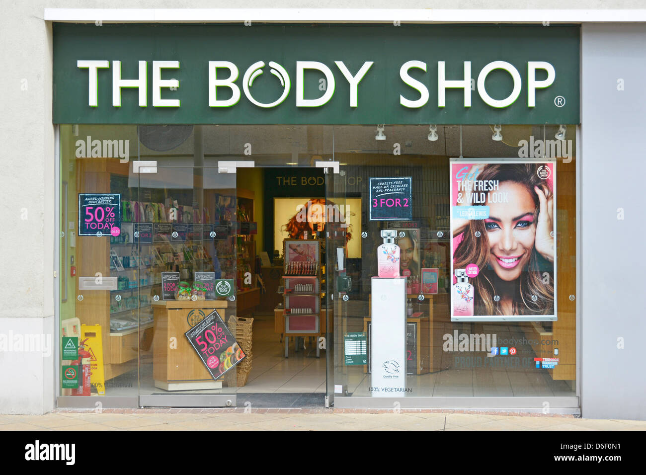 Shop front window display at Body Shop store - Stock Image