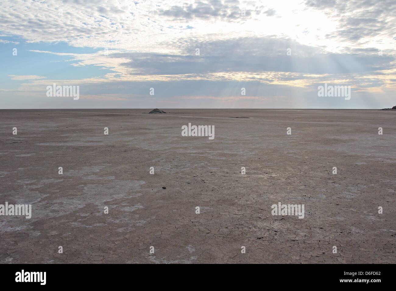 Sua salt pan close to Kubu Island in the morning sun, Makgadikgadi pans, Botswana - Stock Image