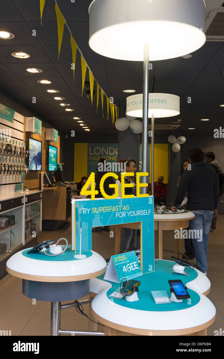 EE (Everything Everywhere) - Mobile Phone Store - Camden Town - London - Stock Image
