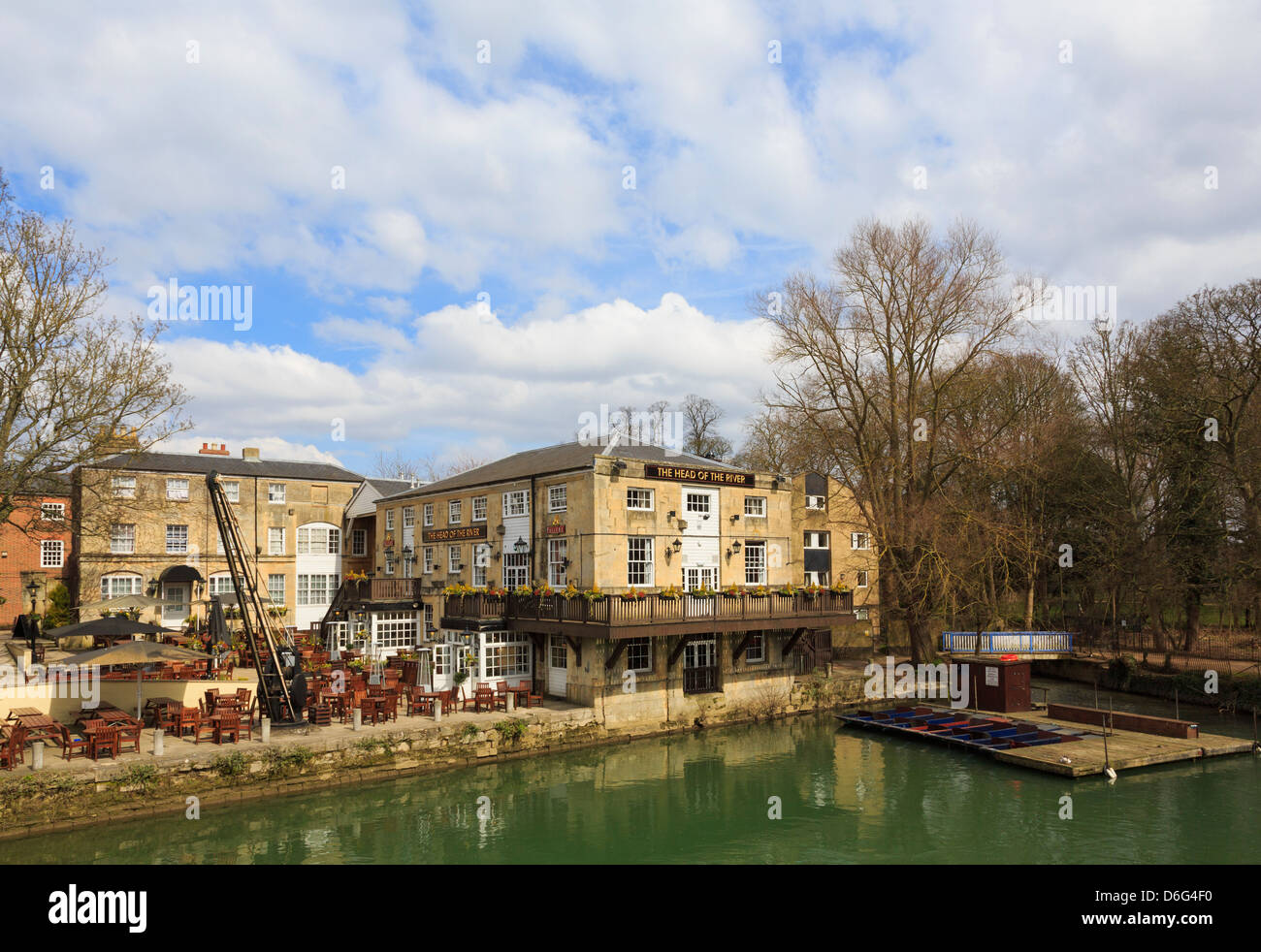 The Head of the River Fuller's riverside pub on River Thames from Folly Bridge in Oxford, Oxfordshire, England, - Stock Image