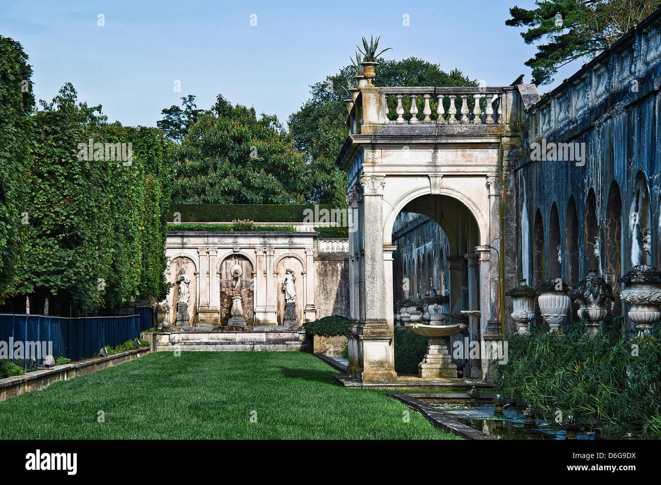 Fountain garden, Longwood Gardens, Pennsylvania, USA - Stock Image