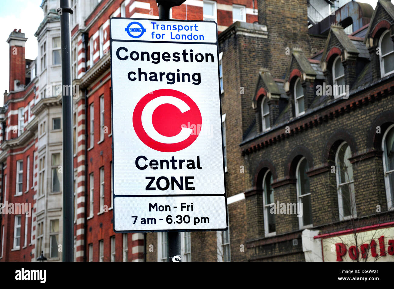 London, England, UK. Congestion charging sign in central zone - Stock Image