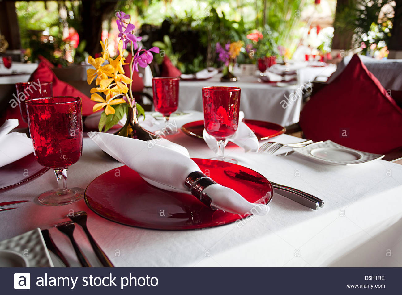 Set tables in restaurant - Stock Image